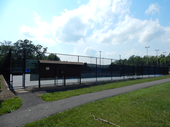 Tennis courts, lake of the woods, virginia