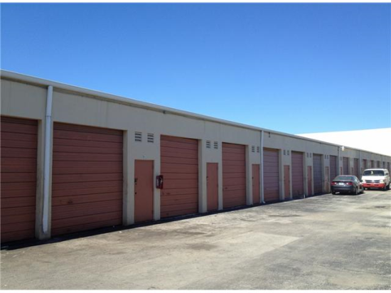 Self storage mini warehouses in Doral