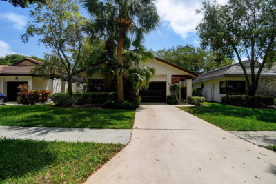 4840 Boxwood Circle, Boynton Beach, FL 33436