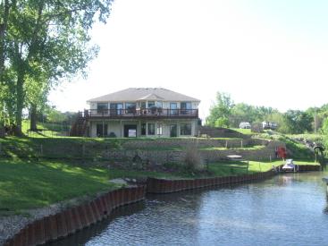 1152 Beaver Lake Blvd