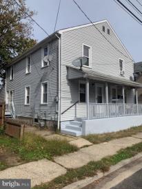 237-239 W Buck St #239, Paulsboro, NJ 08066