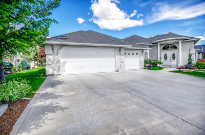 SOLD - 2425 N. Turnberry Way