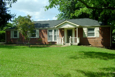 2302 Ingleside Drive SOLD