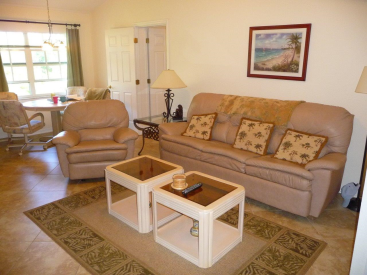 Upscale 2-Bed/2Ba with Assigned Covered Parking!