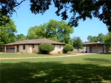 203 N Prairie Street, Pilot Point, TX 76258
