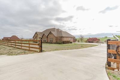 160 Heritage Parkway West, Decatur, TX 76234