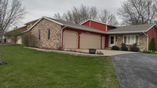 Collins Realty Group Crown Point Satisfied Seller and Buyer Image