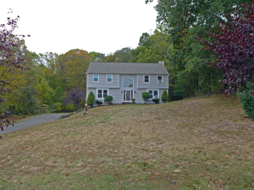 6 Toppenfjell Lane, Oxford, CT 06478