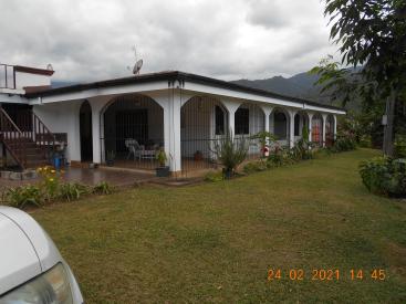 10155  Riverview Road, Orosi,