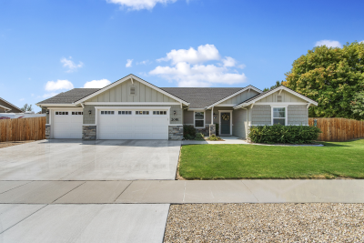 2081 Yellow Pine Drive, Middleton, ID 83644