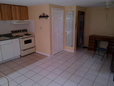 5831 Central Ave #C, New Port Richey, Fl 34652