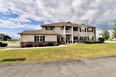 1802 Summerset Dr 201  PENDING, Mount Pleasant, WI 53406