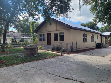 317 N 10th Avenue, Wauchula, FL 33873