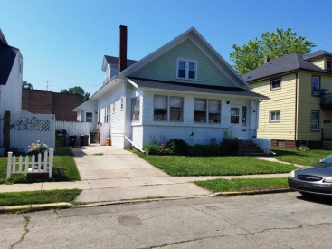 1613 59th St SOLD!