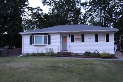 21 Barton Ave, Dracut, MA 01826