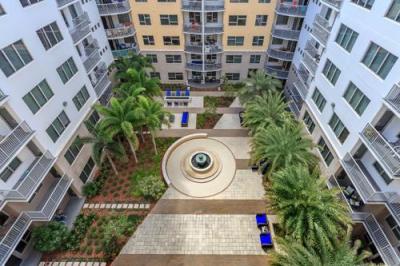 151 7th Street S, St Petersburg, FL 33701